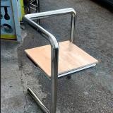 оригинальный стул  из нержавеющей стали